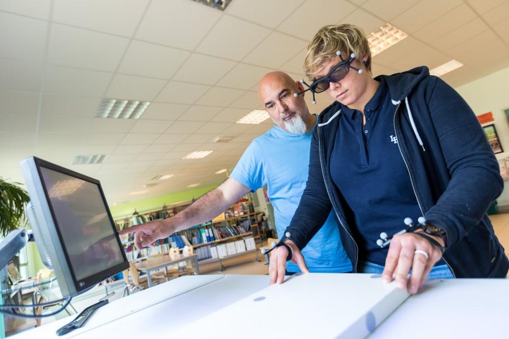 Table bois réalité virtuelle